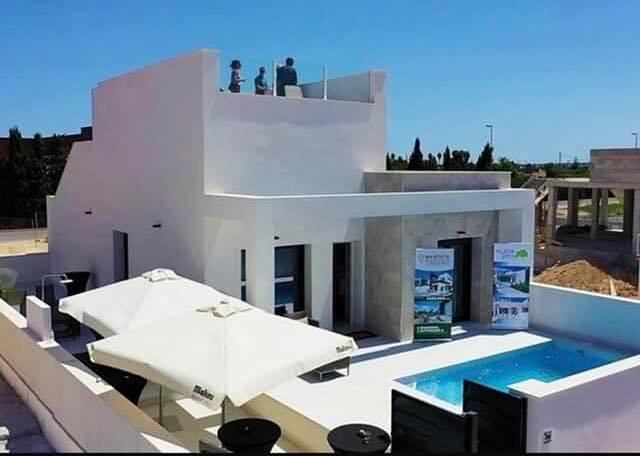 Bungalow neuf piscine priv e et solarium daya nueva - Bungalow guadeloupe piscine privee ...